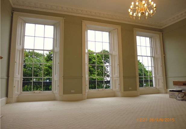 Thumbnail Flat to rent in Royal Terrace, Edinburgh