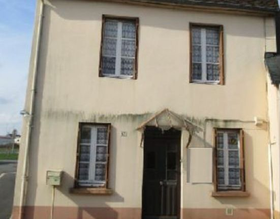 Properties for sale in briouze argentan orne lower for Garage paris normandie flers
