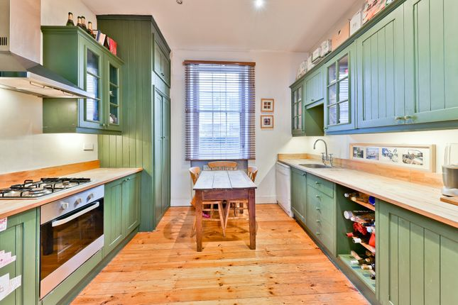 Thumbnail Town house for sale in Colebrooke Row, London