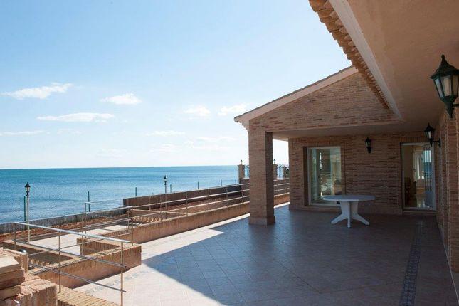 Thumbnail Villa for sale in Torrevieja, Spain
