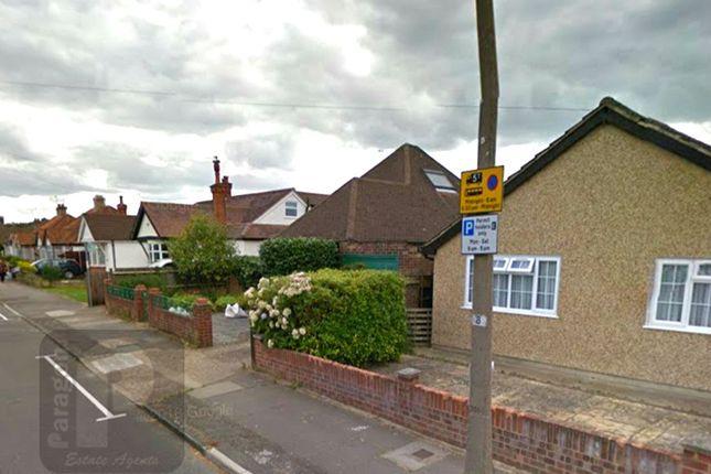 Thumbnail Bungalow to rent in Hawthorne Avenue, Ruislip