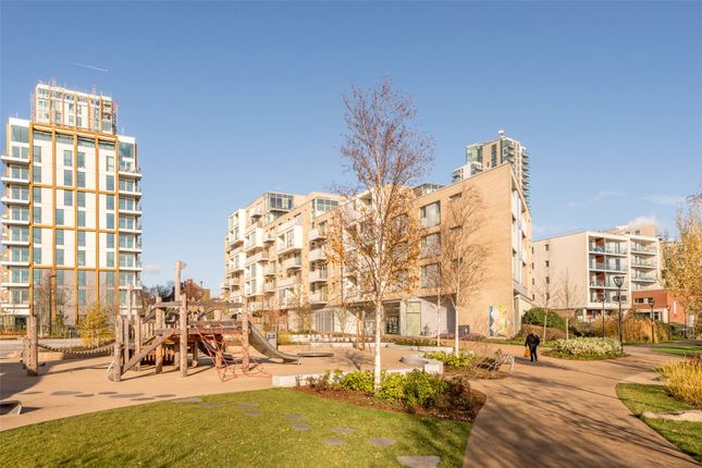 2 bed flat for sale in Kingly Building, Woodberry Down, London