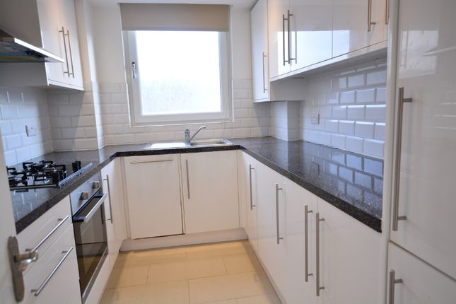 Thumbnail Flat to rent in Russell Square, City Centre, Brighton