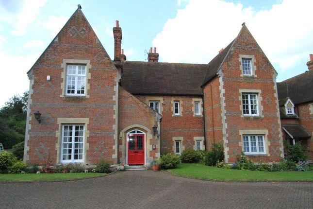Thumbnail Flat to rent in The Old Vicarage, Wrotham Road, Gravesend, Kent
