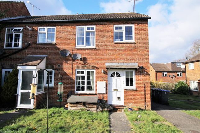Thumbnail Maisonette for sale in Sycamore Drive, East Grinstead