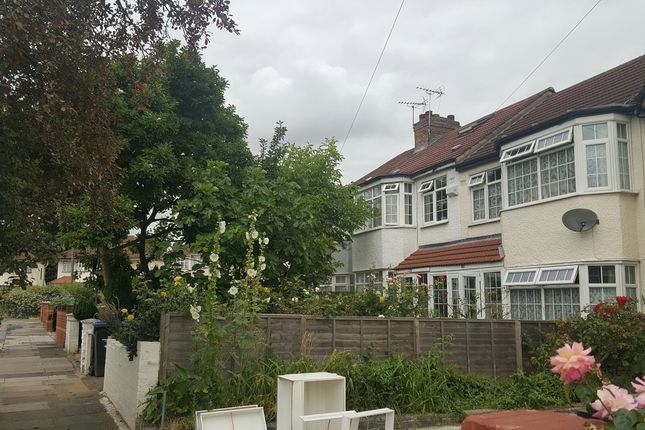 Thumbnail Terraced house for sale in Broadlands Avenue, Enfield