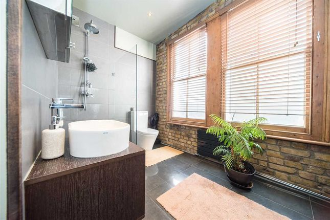 Thumbnail Flat for sale in Ivy Crescent, London