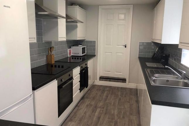 5 bed property to rent in Bursar Street, Cleethorpes DN35