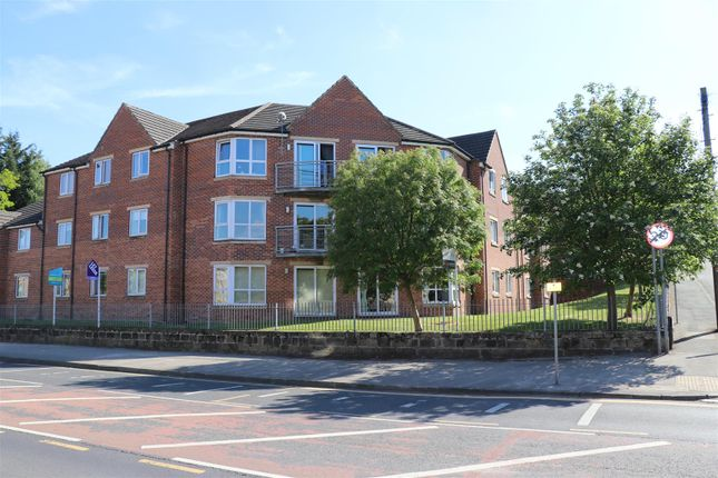 Flat to rent in Woodeson Lea, Rodley, Leeds