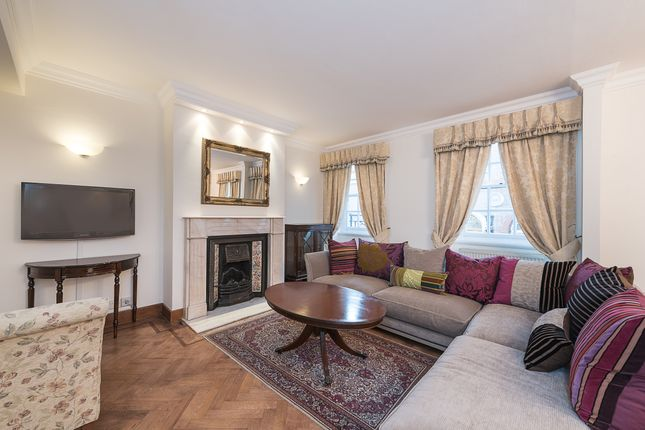 2 bed flat for sale in Seymour Place, London