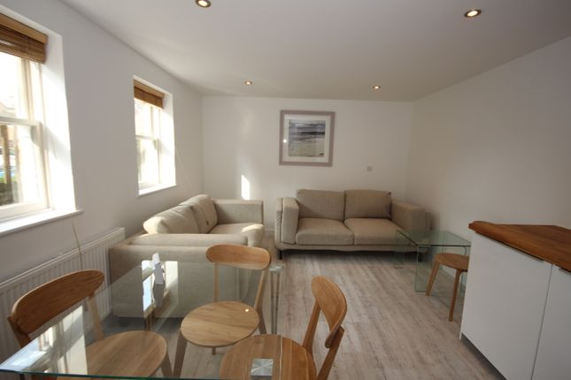Thumbnail Maisonette for sale in Hummer Road, Egham