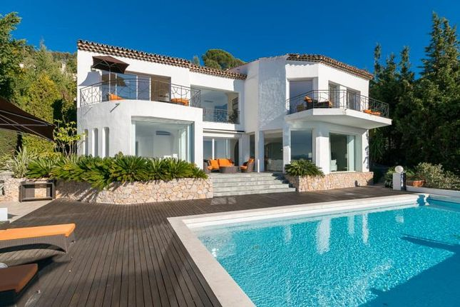 Thumbnail Villa for sale in Le Cannet, Le Cannet, Provence-Alpes-Côte D'azur, France
