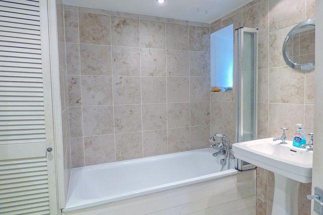 Bathroom of Lower Camden, Central Bath BA1