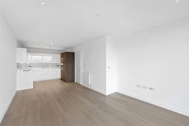 Picture No. 29 of Wyndham Apartments, 60 River Gardens Walk, London SE10