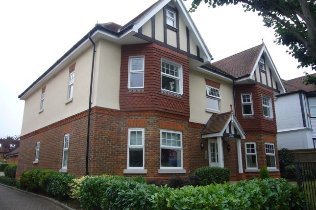Thumbnail Flat to rent in Potters Court, Cheam