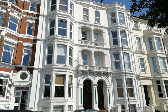 2 bed flat to rent in Dolphin Apartments, Western Parade, Southsea