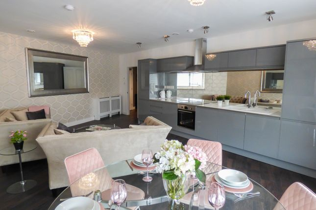 Thumbnail Flat for sale in Flat 2, New Road, Gravesend