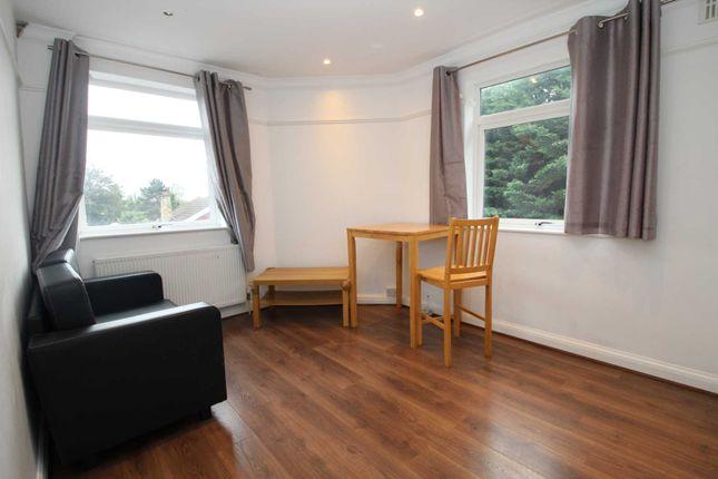 Thumbnail Flat to rent in Great Elms Road, Hemel Hempstead