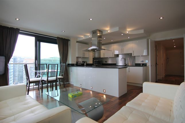 2 bed flat for sale in Millharbour, London