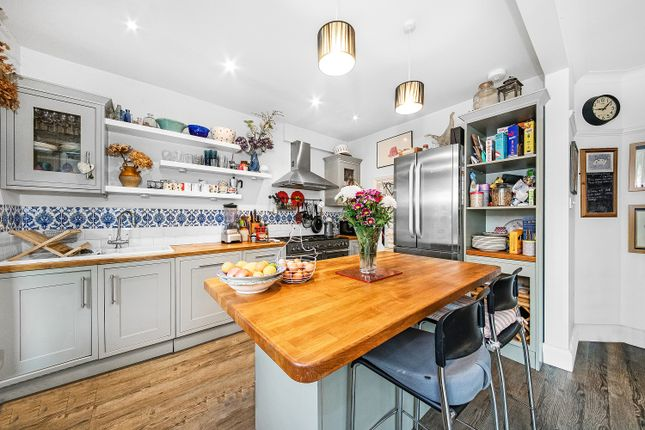 Thumbnail Property to rent in Brantwood Road, Herne Hill, London