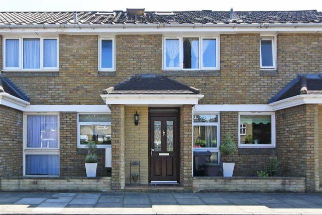 Thumbnail Property to rent in Pettiward Close, London