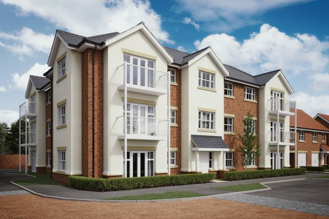 Flat for sale in Hurst Avenue, Blackwater, Camberley