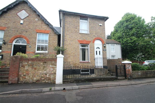 2 bed detached house to rent in Lynsted Lane, Lynsted, Sittingbourne