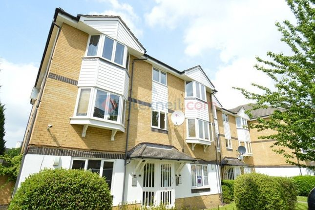 Thumbnail Flat to rent in Sheppard Drive, London