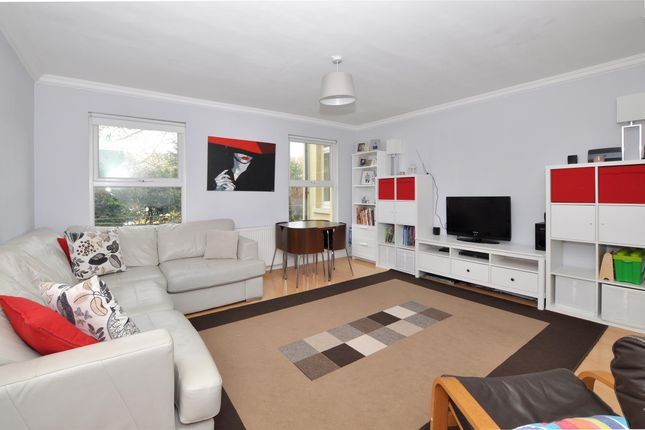 Thumbnail Maisonette for sale in Croydon Road, Wallington, Surrey