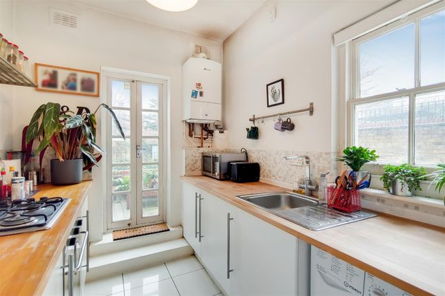 4_Kitchen-1 of Highgate Hill, London N19