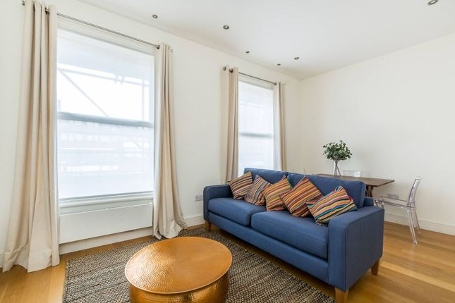 2 bed flat to rent in Cornwall Crescent, Ladbroke Grove, London W11