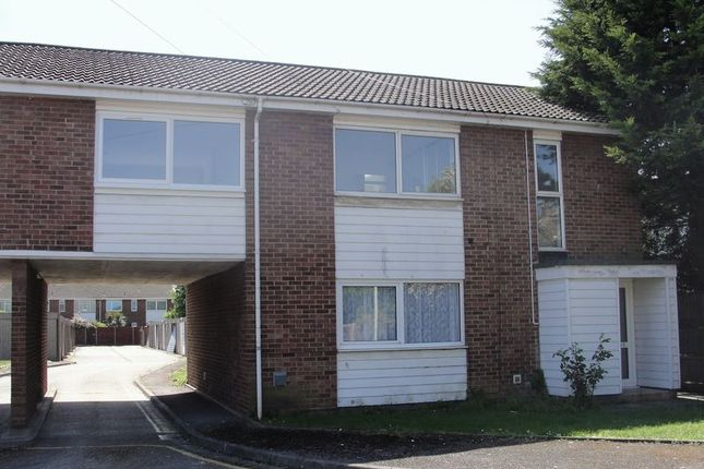 Thumbnail Maisonette to rent in Grampian Close, Harlington, Hayes