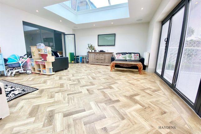 Family Room of Broadfields, Goffs Oak, Waltham Cross EN7