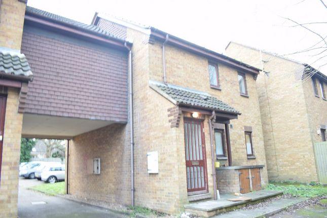 2 bed flat to rent in Tomsfield, Hatfield AL10
