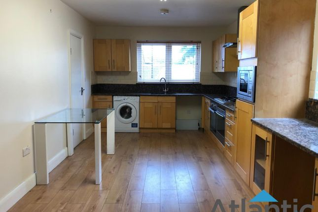 Thumbnail Flat to rent in Almond Grove, Brentford