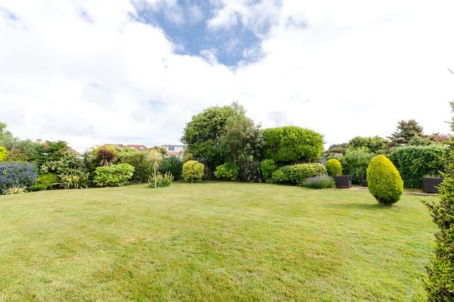 Picture No. 27 of Alinora Crescent, Goring-By-Sea, Worthing, West Sussex BN12