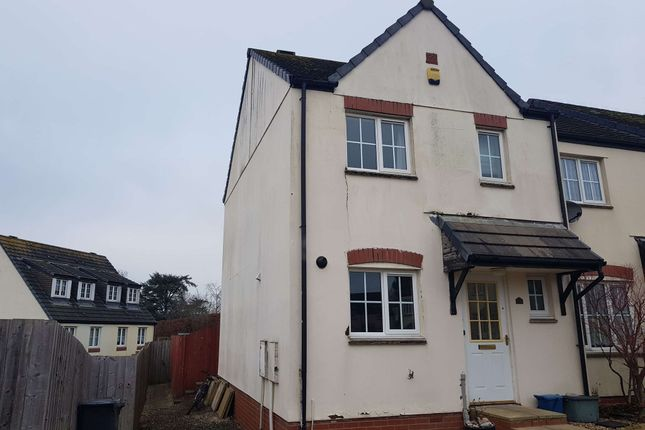 3 bed end terrace house to rent in Cherry Tree Road, Axminster, Devon EX13