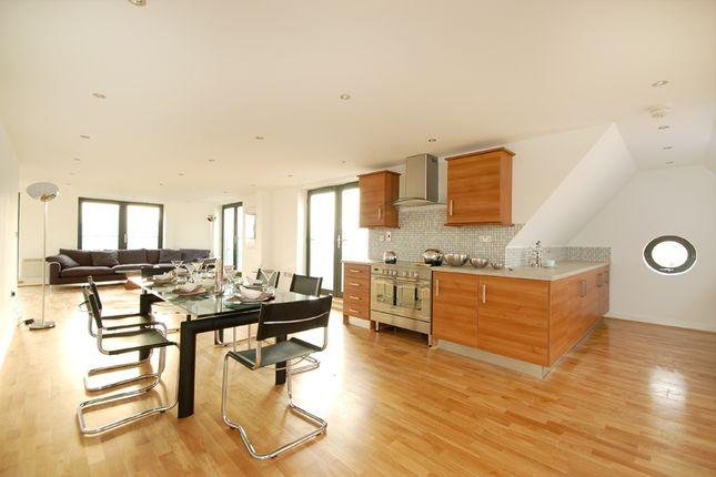Thumbnail Duplex to rent in Fieldgate Street, Liverpool Street