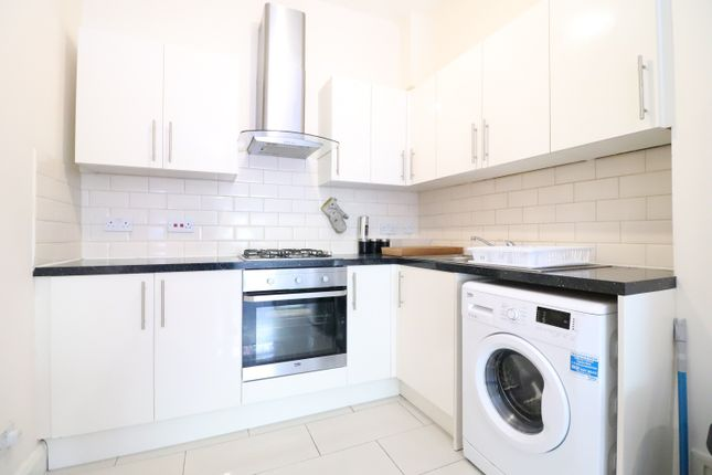 Thumbnail Flat to rent in Stroud Green Road, Finsbury Park