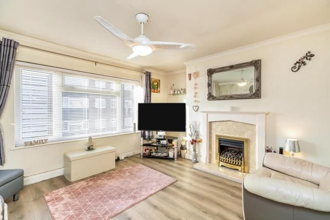 Flat for sale in Chapman Court, Bridge Street, Warwick, Warwickshire