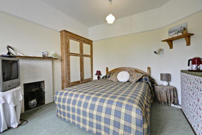 Bedroom of Kent Gardens, Ealing, London W13