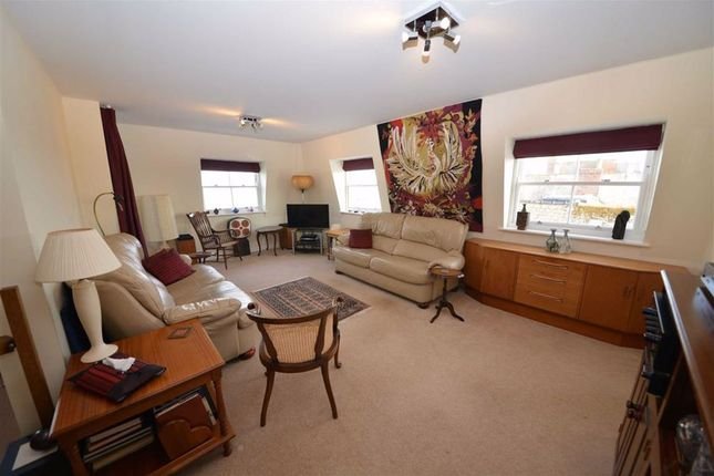 Lounge of 37, Paxton Court, Tenby, Dyfed SA70