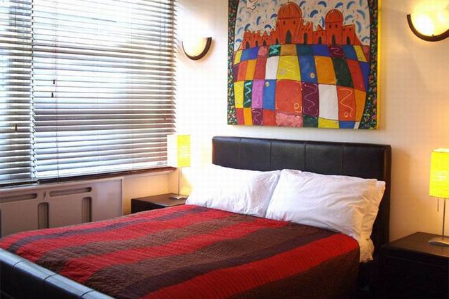 Thumbnail Flat to rent in Devonshire Street, Marylebone, London
