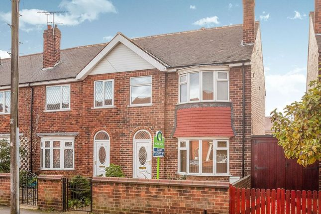 Thumbnail Terraced house to rent in Glamis Road, Doncaster