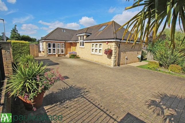 Thumbnail Detached house for sale in Park Lane, Broxbourne