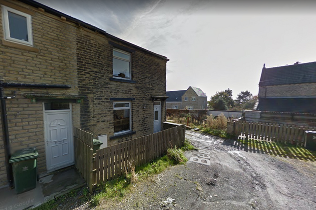 Thumbnail Terraced bungalow to rent in Beehive Street, Bradford