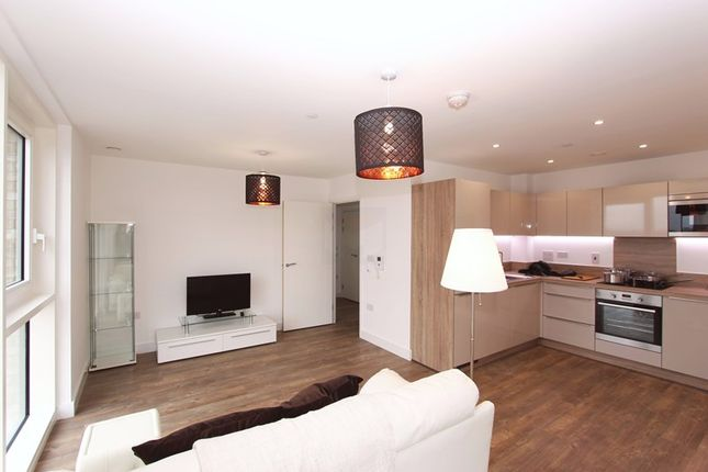 Thumbnail Flat for sale in Oslo Tower, Greenland Place, Surrey Quays
