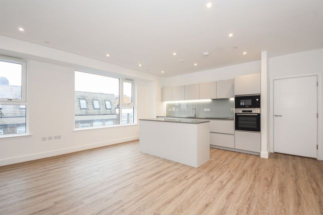 Thumbnail Flat for sale in Station Place, Kings Road, Brentwood