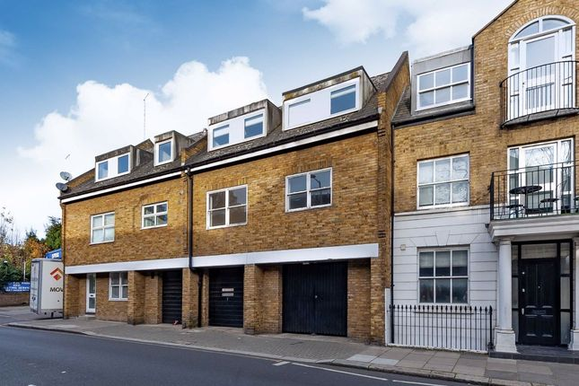 2 bed flat for sale in Ruston Mews, London W11