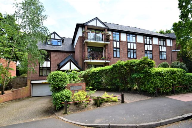 Thumbnail Flat to rent in Woodlands, Bromley